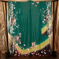 Kimono Furisode vert mélèze - Goshoguruma et glycines