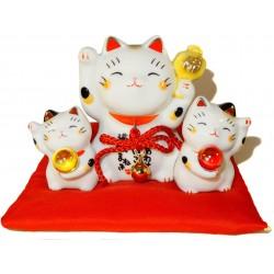 3 Maneki Neko lucky cats - 8 cm