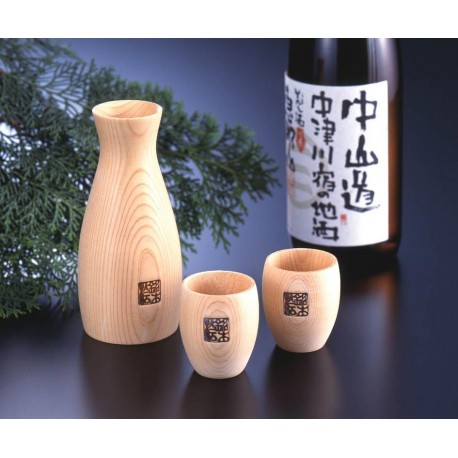 Ensemble à saké en cyprès. Vaisselle et céramique japonaise.
