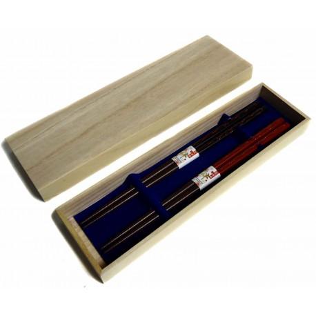 Lacquered wood chopsticks pairs set - kiri box
