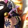 Porte-monnaie en soie et chrimen - Manekineko Chat porte bonheur