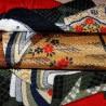 Furoshiki 67x67 rouge et noir - motifs de Hime. Tissu et textile japonais d'emballage.