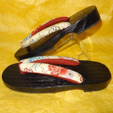 Geta 24 cm – Bride crème imprimés floraux. Sandales japonaises yukata